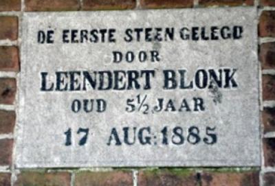 Eerste steen gelegd in 1885.