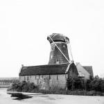 1984: de graanschuur, molenromp en het nieuwe huis