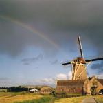 1990: een sfeervolle opname van de Windlust en de oude graanschuur